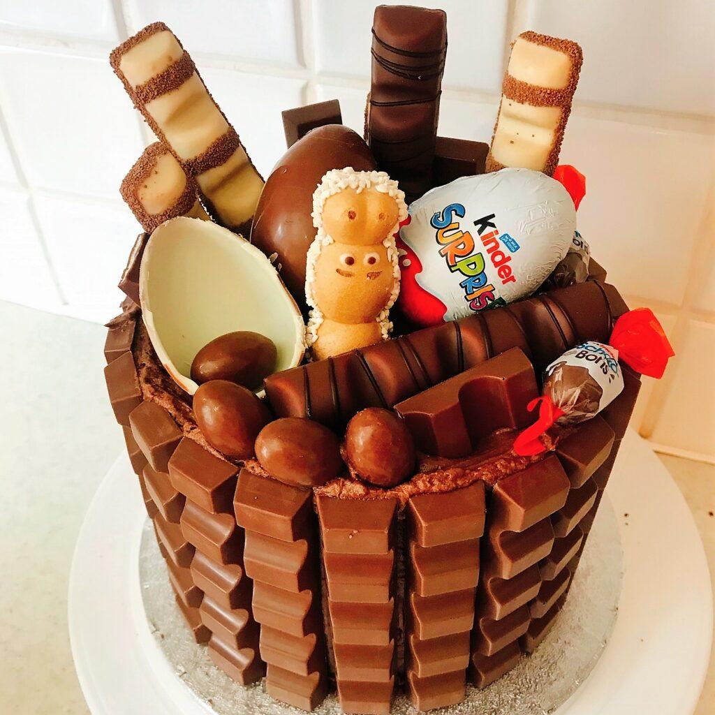 Mega Kinder Cake
